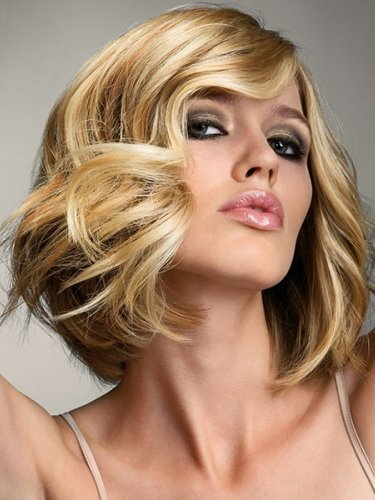 golden blonde wavy bob by royston blythe